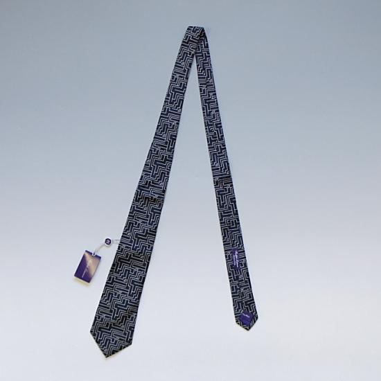 RALPH LAUREN PURPLE LABEL ラルフローレン パープルレーベル シルク幾何学柄ネクタイ HAND MADE IN ITALY ブラック ¥12,000(税込)